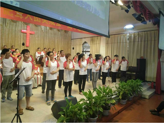 the-deaf-from-hefei-perform-the-praise-by-signs