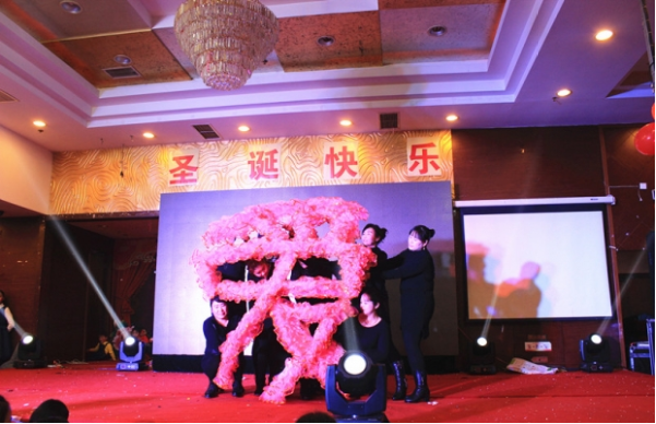 grace-church-of-suzhou-holds-a-christmas-party-with-the-theme-of-love