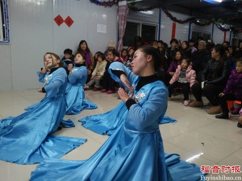 believers-of-huadong-church-are-performing-a-dance