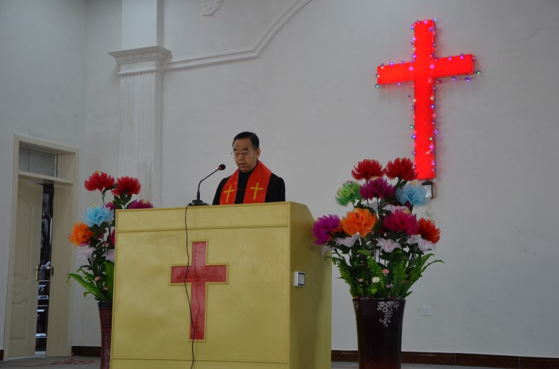 rev-wang-binghui-preaches-the-sermon-during-the-dedication-ceremony