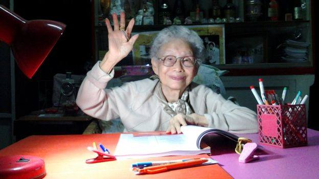 91-year-old woman in Thailand obtains college degree