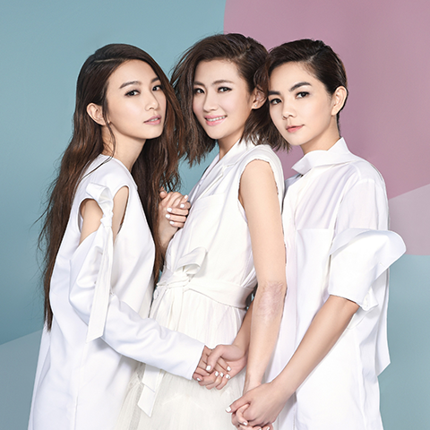 s-h-e-is-a-taiwanese-girl-group-whose-members-are-selina-jen-hebe-tien-and-ella-chen