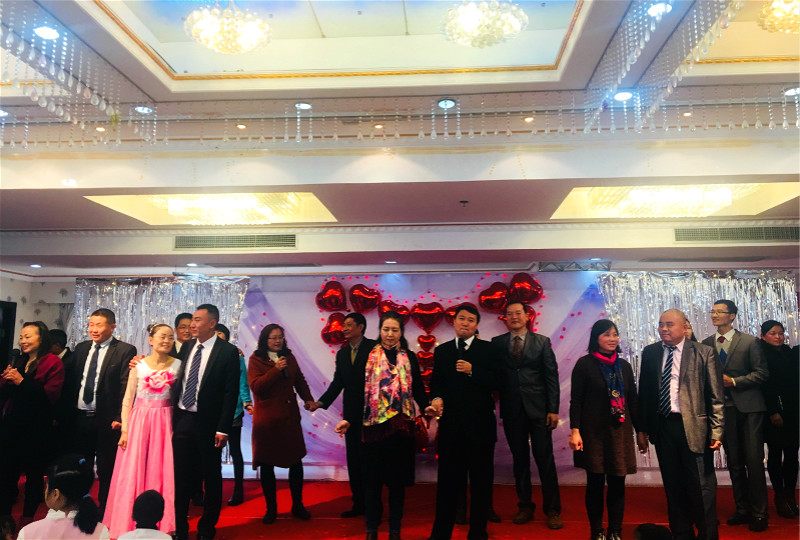 migrant-workers-in-shanghai-christian-couples-sang-songs