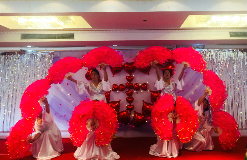 migrant-workers-in-shanghai-christians-performed-fan-dances