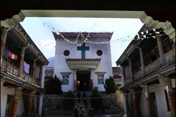 the-only-catholic-church-in-tibet