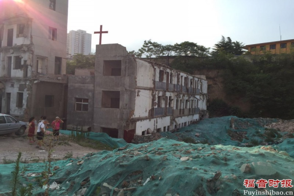 the-red-cross-stands-on-the-topic-of-empty-building-in-changlepo-village