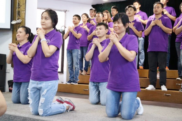 the-believers-of-the-ephphatha-fellowship-of-yueqing-gave-a-performance