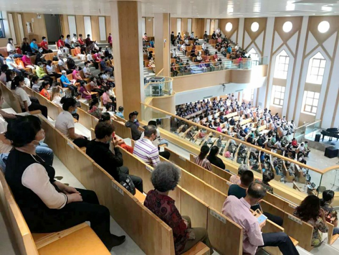 On August 30,2020, the Chuncheng Church - Dongshan Church in China's northeastern Jilin Province were full of attendees. They all kept socially distant due to the coronavirus pandemic.