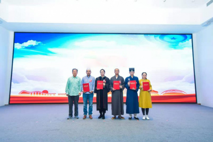 On the afternoon of November 18, 2020, five attendees won the prize in a  preaching contest which was arranged by the Kunshan Ethnic and Religious Affairs Bureau, in Jiangsu.
