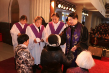 The Associate President of Henan CCC&TSPM hosts the baptism service, Zhumiandian