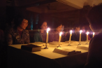 In the evening of April 17,2014, the night before the Good Friday, coworkers of Shanghai Community Church got together to meditated on the scene of the Lord Jesus set up the Holy Communion.
