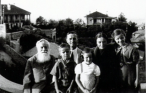 1939, in Yantai City, Shandong Province, with her Brother, sister, Parents and Granparent.