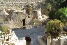 A tour inside the burial site of Jesus Christ, the Garden Tomb Jerusalem (YouTube)