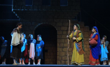 Scene: Ruth and Noami Come back to Bethlehem