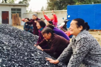 The elderly believers of Xiaogan Church prayed for the church construction.