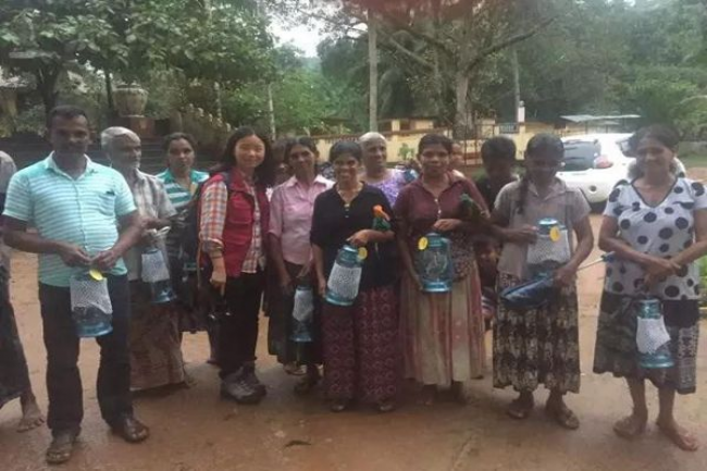 People in the village Nivtigala received lamps from Amity