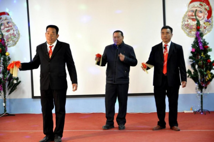 Hunan Maojia Church: three brothers gave an allegro show.