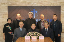 Rev. Chen Yanchang of Chinese Christian Literature Council (left 1, first row), Rev. Feng Hao, chairman of the Guangzhou TSPM,(middle, first row)and Rev. Li Zhigang, director Christian Cultural Society, (right, first row) signed the agreement.