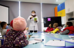 A teacher gave a lesson to children with leukemia.