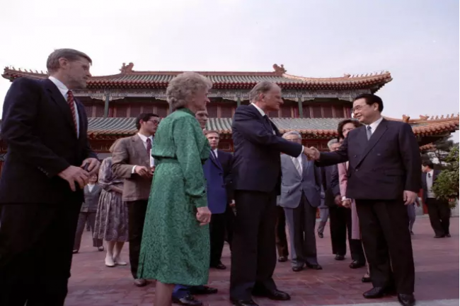 Prime Minister Li Peng met the Grahams in 1988.