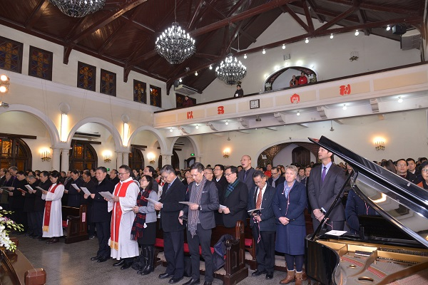 About 300 local church leaders, believers and invited guests attended the thanksgiving service amid the chill in Shanghai.