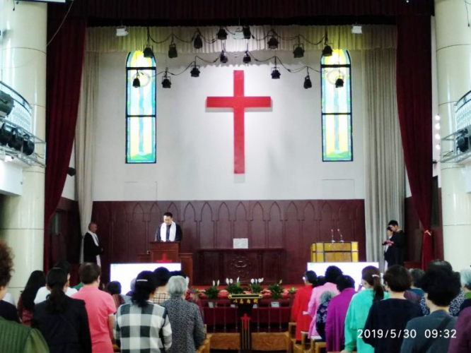 On May 30, the Shanxi Linfen Church held a worship service of thanksgiving to celebrate Ascension Day in the city church.