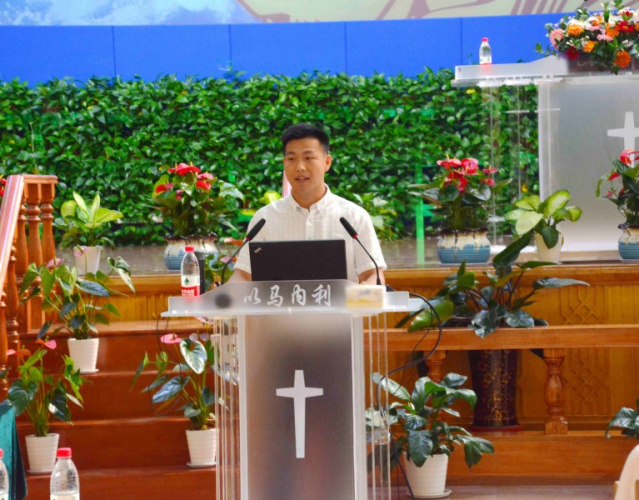 Dr. Jia Xingfei gave a course on NPO in Dalian Fengshou Lu Church on July 29, 2019.