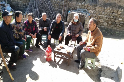 The staff of the church in Yaodu District, Linfen, Shanxi Province visited local disabled believers in middle November 2020.
